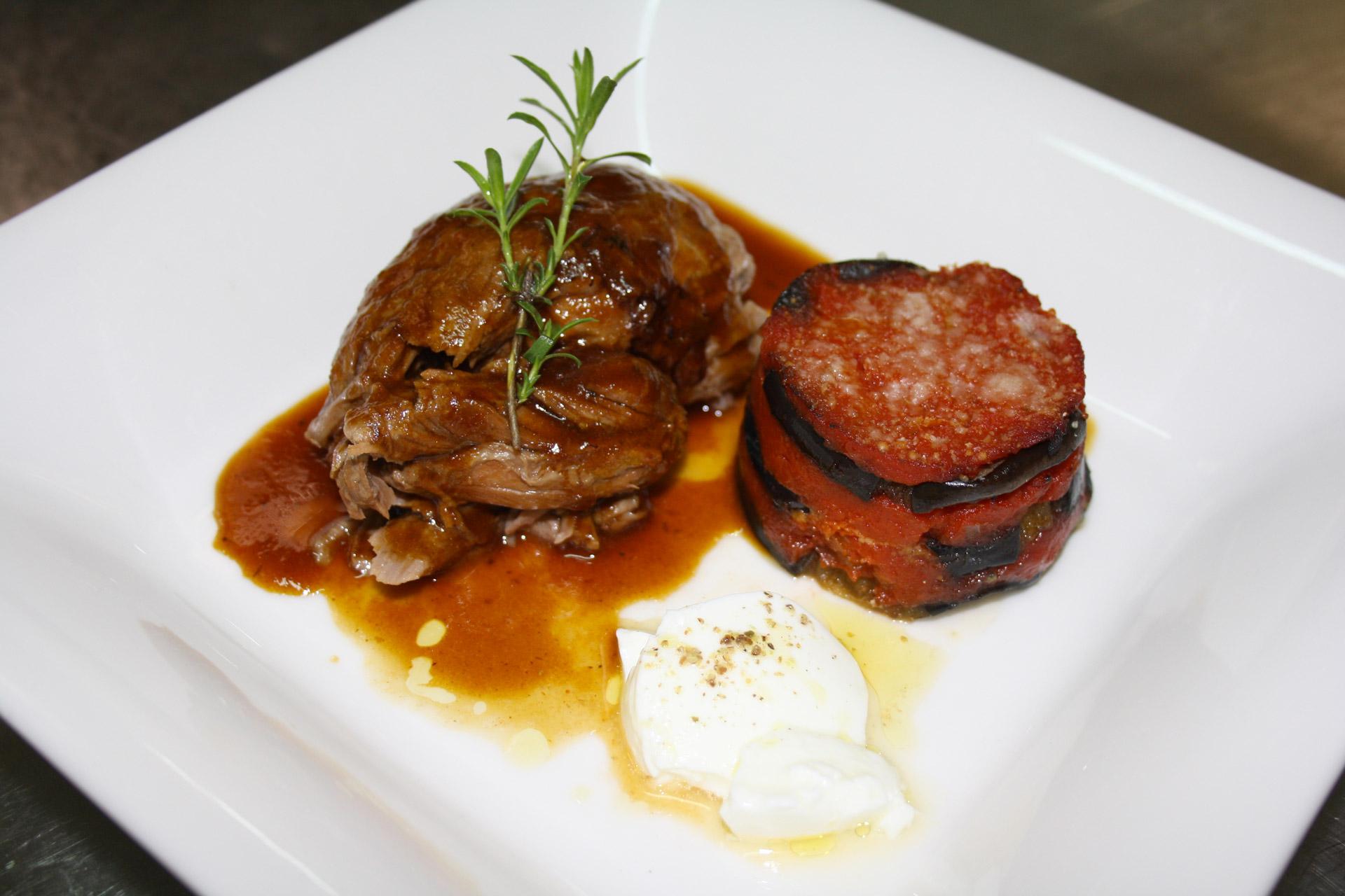 agneau de 7 heures et gateau d'aubergine - L'antre Gourmand