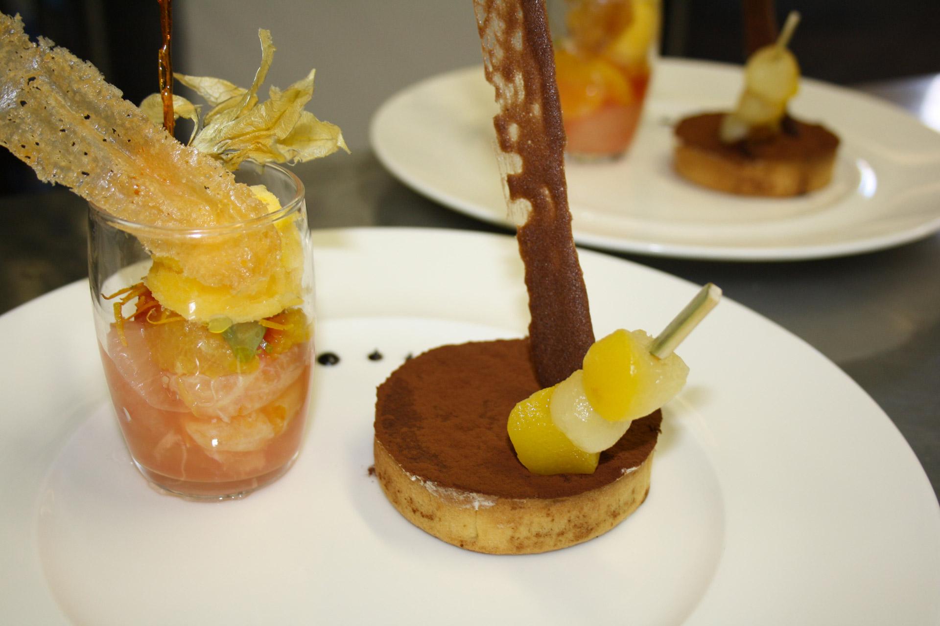Tarte au chocolat et brochette de poires confites - L'antre Gourmand