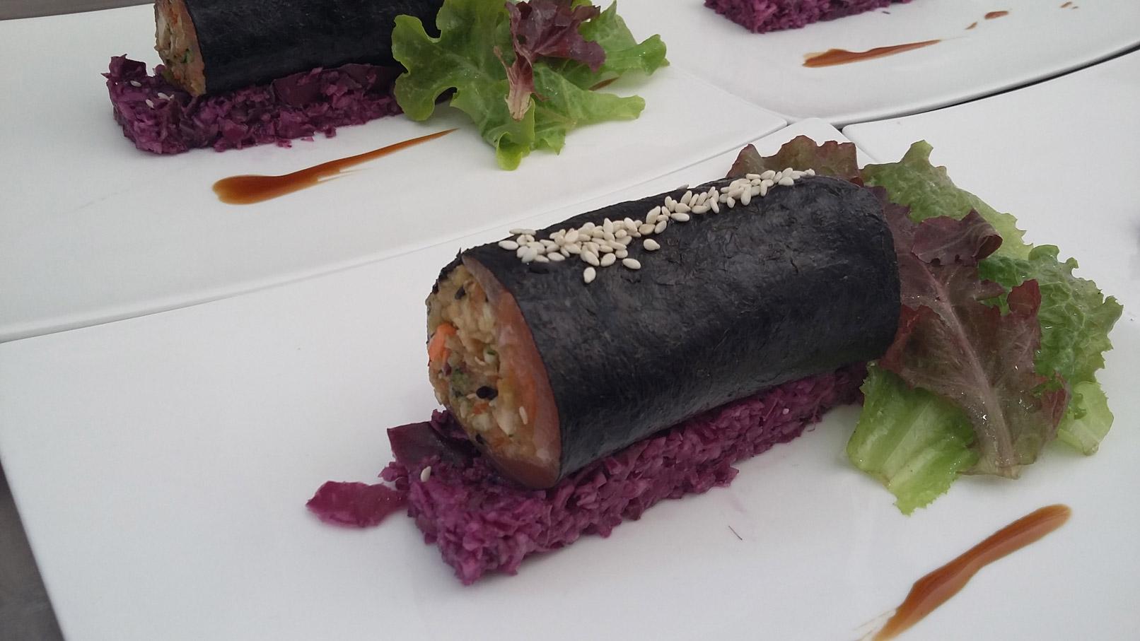 Maki de truite de la Buège, chou-rouge en salade - L'antre Gourmand